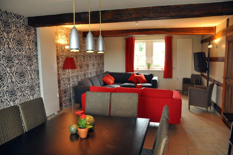 Luxe vakantiehuis 16 personen camping le val de l 39 aisne nl - Stoffering salon verblijf ...