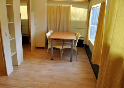tente-lodge-interieur-camping-ardenne