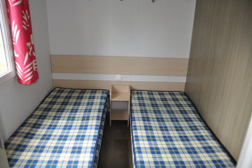 Chambre enfant avec 2 lits