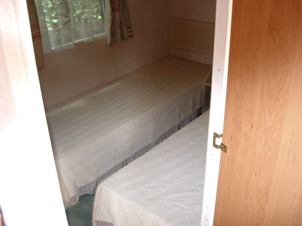 Caravane chambre louisiane mobilhome louisiane corsaire for Caravane chambre 19