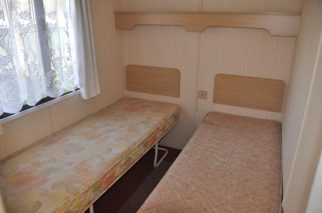 Caravane cosalt coaster camping le val de l 39 aisne for Caravane chambre
