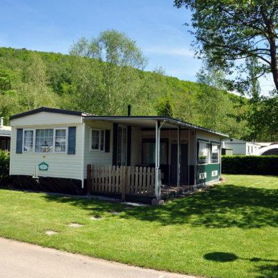 Caravane d 39 occasion camping le val de l 39 aisne for Caravane chambre 19