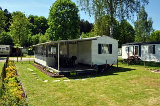 Caravane d'occasion à vendre sur emplacement de camping en Ardennes