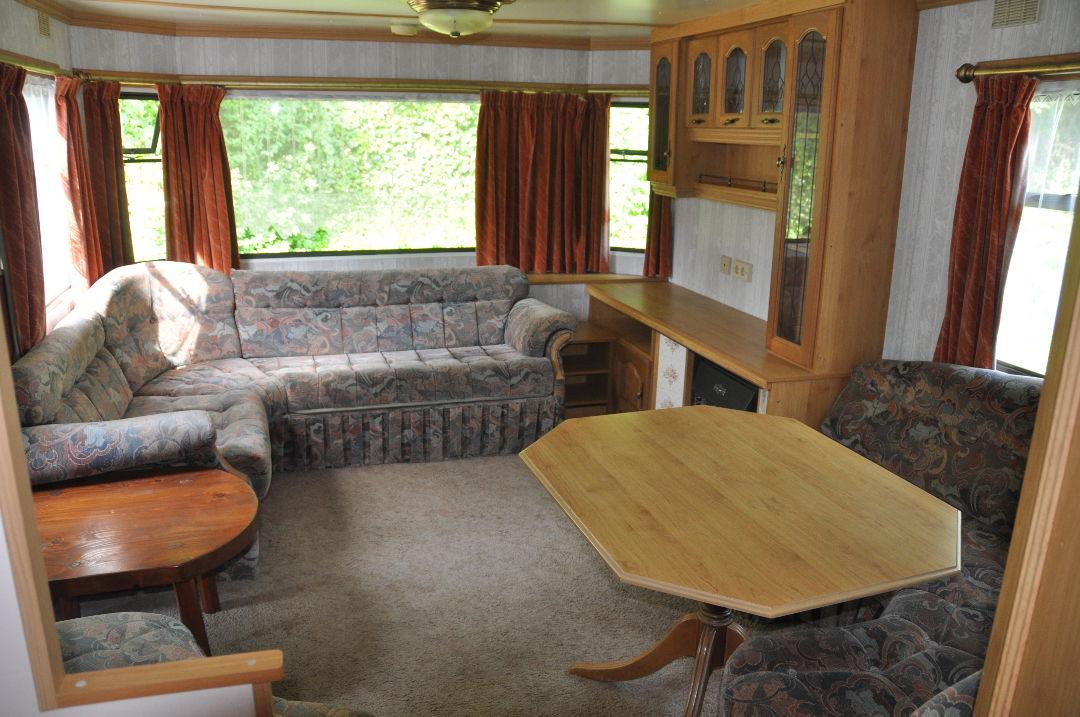 caravane willerby leuven camping le val de l 39 aisne. Black Bedroom Furniture Sets. Home Design Ideas