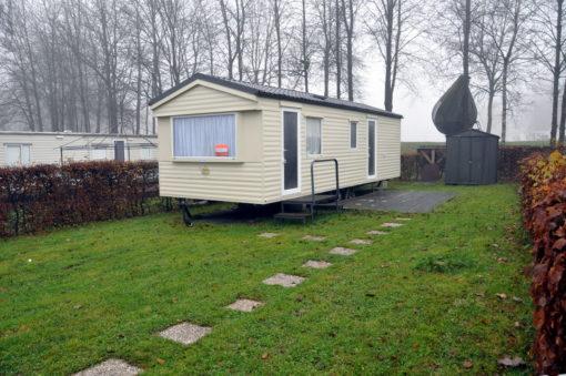 Caravane d'occasion 2 chambres a vendre sur terrain de camping dans les Ardennes belges