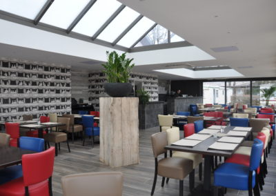 Restaurant avec véranda climatisé