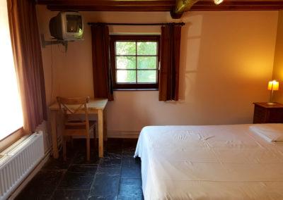 Gîte rural 16 personnes en Ardennes belges à Erezée avec grandes chambres doubles