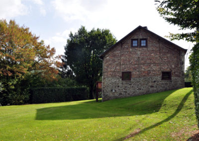 Gîte avec grand jardin à la campagne en Ardenne à Erezée