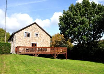 Gîte rural 16 personnes en Ardenne à Erezée avec jardin ensoleillé