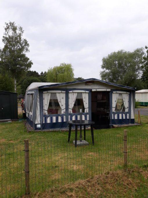 Caravane tractable et auvant à vendre camping Ardenne belgique